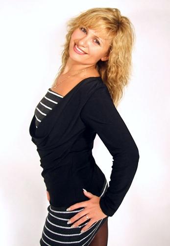 Julia (52) aus Agentur R... auf www.partnervermittlung-frauen-aus-polen.de (Kenn-Nr.: 507044)