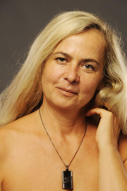 Evelina (56) aus VIP Agent... auf www.partnervermittlung-frauen-aus-polen.de (Kenn-Nr.: d00160)
