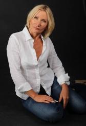 Julia (49) aus VIP Agentu... auf www.partnervermittlung-frauen-aus-polen.de (Kenn-Nr.: d00163)